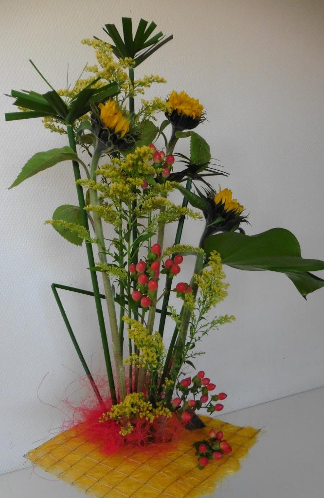 bouquet d automne art floral simple centre de table duautomne with bouquet d automne art floral. Black Bedroom Furniture Sets. Home Design Ideas